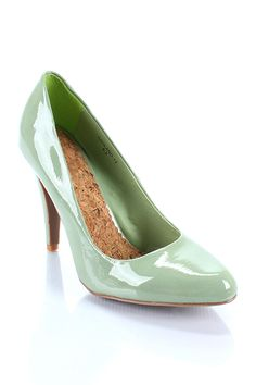 mint green pumps @the perfect palette