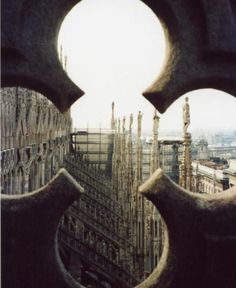 Duomo di Milano - Milan, Italy  And my favorite building. Tonight is TOO aesthetically pleasing.