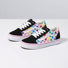 Shop bestselling Girl's Shoes at Vans including Girl's Classics, Slip Ons, Authentics, Low Top, High Top Shoes & More. Shop Kids Shoes at Vans today! Vans Sneakers, Tenis Vans, Vans Haute, Top Shoes, Me Too Shoes, Cute Vans, Vans Checkerboard, Zapatillas Casual, Vans Kids