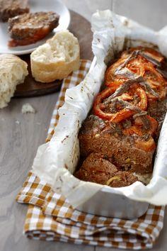 Overheerlijk Toscaans gehaktbrood. Vandaag gemaakt en smaakt naar meer! Dutch Recipes, Meat Recipes, Italian Recipes, Cooking Recipes, Best Low Carb Bread, Oven Dishes, Recipes From Heaven, Food Inspiration, Love Food