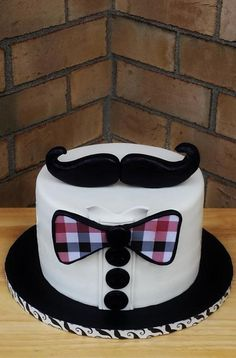 Mustache & Bow Tie Cake by Enza - Sweet-E