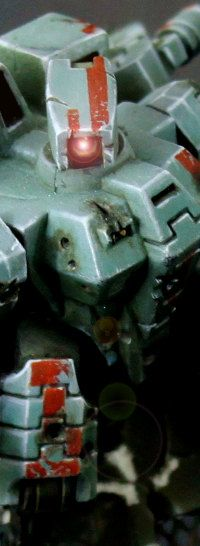 There is a blog post / tutorial on painting this Tau Crisis suite. Alas it is mostly in French. #wh40K