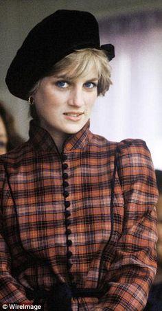 Dianaat the Braemar Highland Games on September 1982 in Scotland in a Stephen Jones hat...