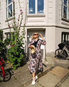 """Katri Ahlman 〰️ Tyylialkemisti on Instagram: """"🌸"""" About Me Blog, My Style, How To Wear, Clothes, Instagram, Outfits, Clothing, Kleding, Outfit Posts"""