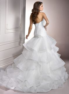 chic-organza-sweetheart-neckline-ball-gown-wedding-dress.jpg (1450×1977)