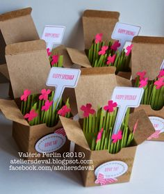 SU Kraft boxes filled with paper grass, flowers and handpicked framelit tags. Les Ateliers de Val