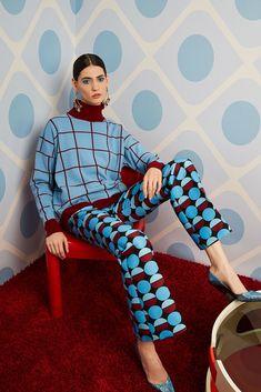 La DoubleJ Fall 2020 Ready-to-Wear Fashion Show - Vogue Fast Fashion, Fashion 2020, Look Fashion, High Fashion, Winter Fashion, Fashion Show, Womens Fashion, Fashion Design, Fashion Beauty