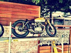 CAFE' RACER CULTURE: Bianco Ocra honda cb 350