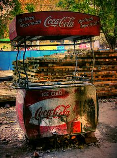 Coca Cola Cart ... I would love to have this and restore it
