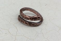 Gehämmert Kupfer Ring.  Steampunk Kupfer Ring, Wikinger Kupfer Ring.. Tierisch Ring in Kupfer. Unisex Kupfer Ring. Geschenke für Männer von Designvonmerrill auf Etsy