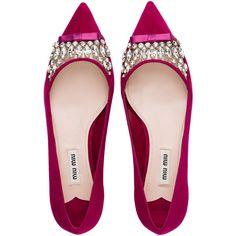 Miu Miu Ballerina ($895) ❤ liked on Polyvore featuring shoes, flats, embellished flats, vinyl shoes, swarovski crystal shoes, embellished ballet flats and miu miu