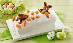Möhren-Marmorkuchen mit Fondanthäschen                              -                                  Ein verfeinerter Kastenkuchen mit österlicher Dekoration