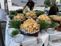 Chips and salsa Bar Wedding Buffet Food, Wedding Reception Food, Wedding Sweets, Party Buffet, Wedding Catering, How To Make Chips, Salsa Party, Catering Display, Taco Bar