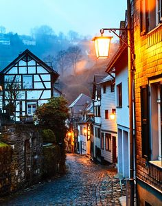 Monschau (Nordrhein-Westfalen) Beautiful World, Beautiful Places, Poetry Photos, Misty Dawn, Float Your Boat, Germany Travel, Visit Germany, Ghost Towns, Amazing Nature