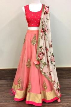 Indian fashion has changed with each passing era. The Indian fashion industry is rising by leaps and bounds, and every month one witnesses some new trend o Lehenga Designs, Choli Designs, Red Lehenga, Lehenga Choli, Bridal Lehenga, Indian Lengha, Indian Gowns, Party Kleidung, Lehnga Dress