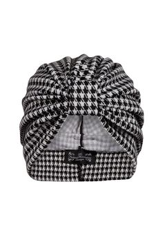 The Future Heirlooms Boutique Monochrome Dogtooth Pattern Turban - Classic cut monochrome dogtooth print turban. Simply stylish, effortlessly versatile and a great transitional piece for day into eve Fabric: Polyester mix Care:. Turban Hut, Mode Turban, Turban Style, Hat Patterns To Sew, Sewing Patterns, Sewing Clothes, Diy Clothes, Mode Inspiration, Free Sewing