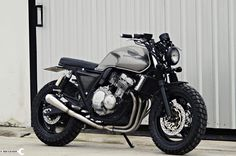 Go look at a couple of my preferred builds – distinctive scrambler hybrids like Source link Cb 450 Cafe Racer, Suzuki Cafe Racer, Custom Cafe Racer, Cafe Racer Bikes, Scrambler Custom, Cafe Racer Motorcycle, Moto Bike, Motorcycle Design, Honda Seven Fifty