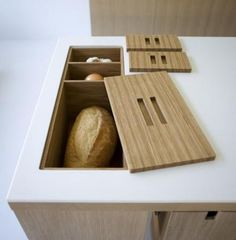 great idea.. except I typically have at least 10x this much bread in the house at one time...