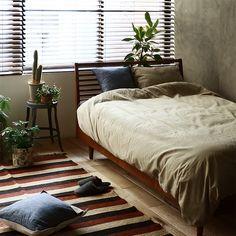男性だけでなく、女性の間でも人気が沸騰している「男前インテリア」の解説と、実際の家具のセレクトテクニックをご紹介していきます。