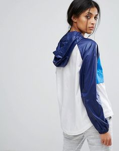 Nike Hooded Just Do It Packable Jacket at ASOS. Raincoats For Women, Jackets For Women, Baby Raincoat, Nike Running Jacket, Asos, Packable Jacket, Athleisure Outfits, Moda Fitness, Rain Wear