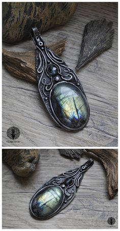 Eartha Creations handmade jewelry. Fantasy & unique design and stones! #jewelry #handmade #unique #fantasy #moon  #labradorite #spiritual #spirit #ooak