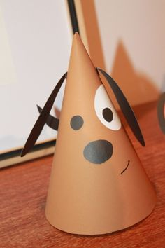 Chapeu de Festa - Cachorro Levado. <br> <br>Chapéu confeccionado manualmente e enviado desmontado.