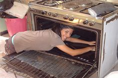 30 Uncommon Uses for Aluminum cleaning the oven Fixer Upper, Home Organization, Good To Know, Cleaning Hacks, Household, Home Appliances, Good Things, Aluminium Foil, Stove