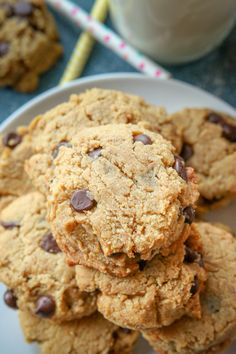 Chewy Keto Cookies made in just 15 Minutes! These are THE BEST peanut butter chocolate chip almond flour cookies for keto. They're easy to make, low carb, an. Almond Flour Cookies, Butter Chocolate Chip Cookies, Keto Chocolate Chips, Keto Cookies, Chocolate Peanut Butter, Cookies Et Biscuits, Cheese Cookies, Chocolate Cream, Shortbread Cookies