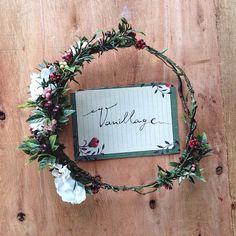 Flower crown Vanillage wood land style vintage berries handmade crafted with love afterwedding photoshooting Floral Crowns, Flower Crown, Berries, Wreaths, Wood, Flowers, Handmade, Beautiful, Vintage