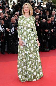 Alice Taglioni, une fleur parmi les fleurs en égérie Dessange et en Giambattista Valli. (Cannes, 11 mai 2016.)