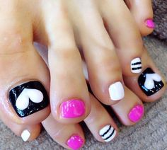 Simple toenail art design picture 4