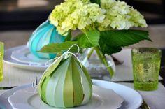 Hide a small delicacy in this elegant placeholder / Verstop een kleine versnapering in deze elegante plaatsaanduider.