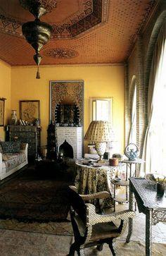 A boudoir designed by Bob Willis for Dar Zuylen, Marie-Hélène de Rothschild's home on the outskirts of Marrakech. Moroccan Home Decor, Ethnic Decor, Moroccan Interiors, Moroccan Design, Moroccan Style, Turkish Style, Moroccan Theme, Bohemian Interior, Bohemian Decor