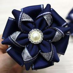 Ribbon Diy, Mouse Ears, Flower Shape, Hair Accessories, Christmas Ornaments, Sewing, Crafts, Ribbon Hair Ties, Ribbon Bows