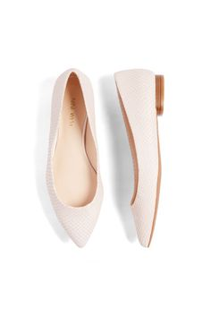 Stitch Fix Spring Shoes: Pastel Flats- Love these as well. Neutral enough to go with any outfit. Love the pointed toe as well to elongate my shorter body frame.