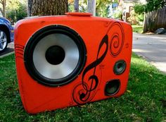 BoomCase - Stereo System Made from Repurposed Suitcases
