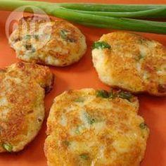 Tortitas de papa con chicharrón @ allrecipes.com.mx