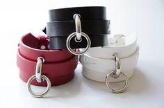 Wide bracelet with ring Ring Bracelet, Bracelet Making, Cuff Bracelets, Leather Bracelets, Leather Harness, Leather Cuffs, Choker, Leather Diy Crafts, Natural Leather