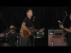 "Jensen Ackles sings Lynyrd Skynyrd's ""Simple Man,"" at Supernatural VanCon 2015 - YouTube HOLEY FREAKIN HOTTNESS"