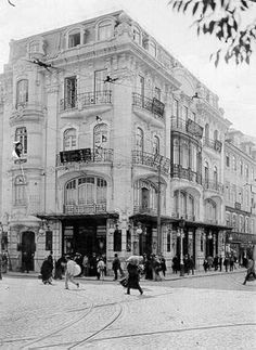 Rossio, anos 20 Hotel Internacional, Time Travel, Places To Travel, Places In Portugal, Interesting Buildings, The Old Days, Old City, Vintage Photography, Portuguese