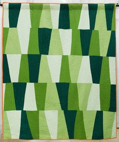 North Alabama Hillsides quilt by Cathy Fussell. 2015 QuiltCon show. Photo by Press and Pin. Quilting Projects, Quilting Designs, Tumbler Quilt, Gees Bend Quilts, Michael Miller Fabric, Green Quilt, Contemporary Quilts, Quilt Making, Quilt Patterns