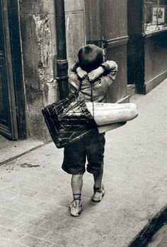 niño con pan
