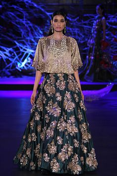 Manish Malhotra | Vogue India | Section :- Fashion | Subsection :- Fashion Shows | Author : - Vogue Staff | Embeds : - text-image | Covers : - no-cover | Publish Date:- 08-03-2015 | Type:- Article