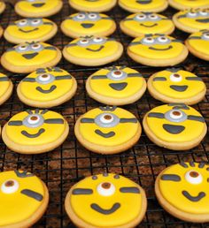 despicable me 2 birthday party - minion cookies