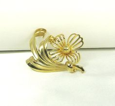 Vintage Flower Pin with Gold Tone Metal by judysgems2 on Etsy, $14.99