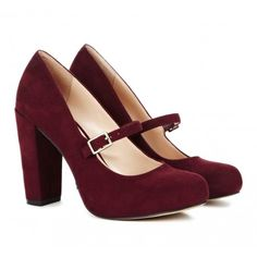 Perfect burgundy heels for Fall.