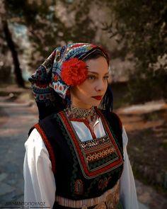 Folk Costume, Costumes, Folk Dance, Traditional Art, Captain Hat, Wonder Woman, Culture, Superhero, Hats