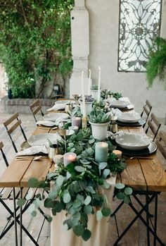 Love the greenery table runner with succulents