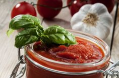 Slana zimnica: sos od paradajza i maslina za italijanska jela Canning Salsa, Marinade Sauce, Sauce Salsa, Canning Recipes, Finger Foods, Healthy Living, Stuffed Peppers, Vegetables, Cooking