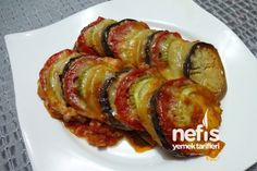 Ratatuy Tarifi (Videolu) nasıl yapılır? 44.909 kişinin defterindeki Ratatuy Tarifi (Videolu)'un detaylı anlatımı ve deneyenlerin fotoğrafları burada. Appetizer Salads, Appetizer Recipes, Salad Recipes, Appetizers, Oven Dishes, Side Dishes, Turkish Recipes, Ethnic Recipes, Ratatouille